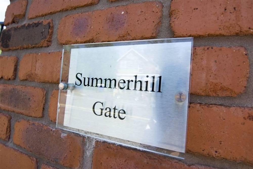 2c Summerhill Avenue